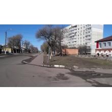 продам 1 к.кв в центрегорода Чугуев